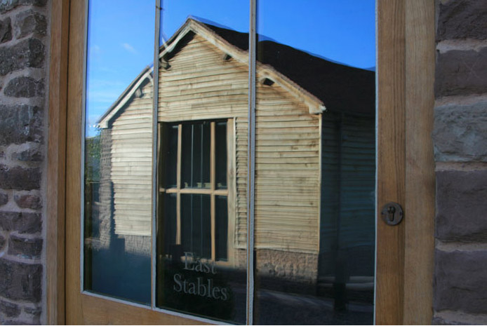 stables4